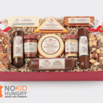 Tasty Holiday Gifts From @HickoryFarms